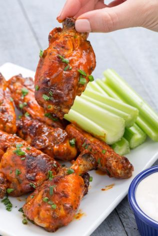gallery-1445024964-buffalo-ranch-wings-delish